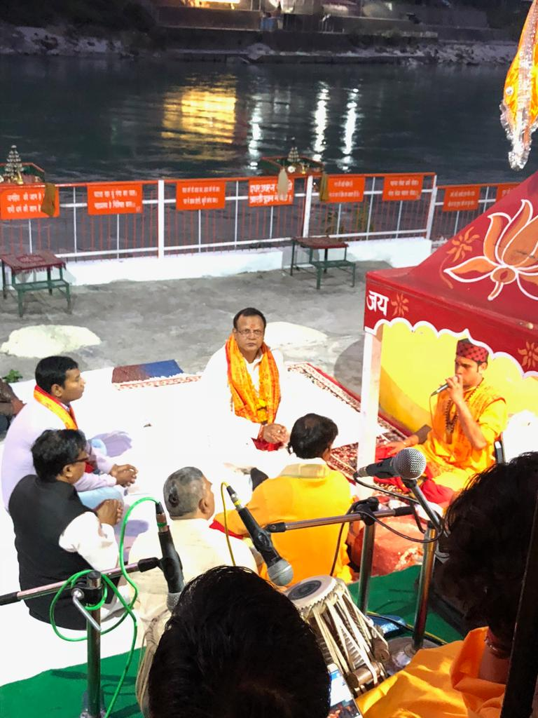 GANGA PUJAN BY RAHUL SIR AT RISHIKESH.